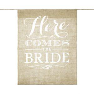 02-04-009_Hängendes_Juteschild_Here_comes_the_bride