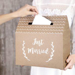 "Kartenbox Kraftkarton ""Just married"""