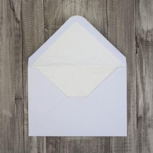 Umschlag weiß C6 mit Papierinnenfutter in cremeweiß
