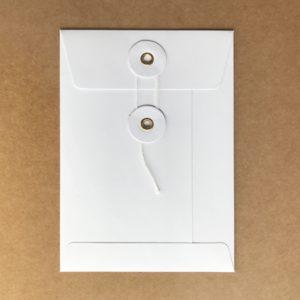 Umschlag C6 Weiß mit Kordelverschluss