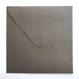 Umschlag quadratisch Kraftpapier Dunkelgrau 155x155mm