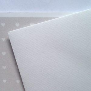 Umschlag quadratisch weiß strukturiert 155x155mm